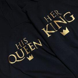 Bluzy His Queen i Her King od Akomu, jakość i klasa. 🔥  #black #hisqueen #herking #bluzydlapar #milosc #love #polishboy #polishgirl #kocham #couplegoals #couple #moments #polskamarka #blackhoodie #para #pasja #bluza #bluzy #akomu #prezent #razemlepiej #podarujmiłość #zakochani #moda #zakupy #zakupyonline #fashion #polskamarka #polskadziewczyna