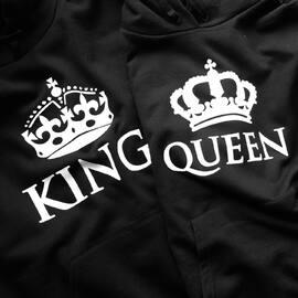 Coś z naszych nowości 🔥🤩 Jak wam się podoba?  Zamów na www.akomu.pl  #jestesmyzwami #razemnajlepiej  #kingqueen #king #queen #king01 #queen01 #bluzydlapar #waszdzień #bluzy #koszulkidlapar #walentynki #dlapar #couple #couplegoals #couplegifts #prezentdlaniego #prezentdlaniej #pomyslnaprezent #zakochani #love #narzeczony #narzeczona #kochamgo #kochamja