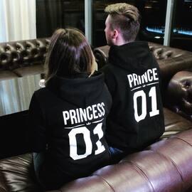 Idealne na wspólne chłodne wieczory! ✌🏼❤️ Link do sklepu w BIO 😁  #razemlepiej #kocham #akomu #bluzydlapar #dlaniej #dlaniego #prezent #king #queen #couplegoals #couplegifts #polishboy #polishgirl #streetwear